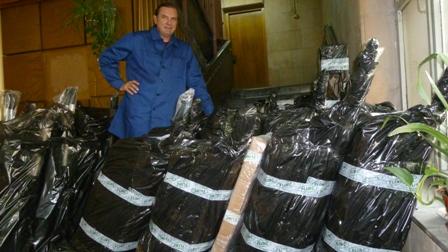 Упаковка надувных лодок для отправки клиентам.